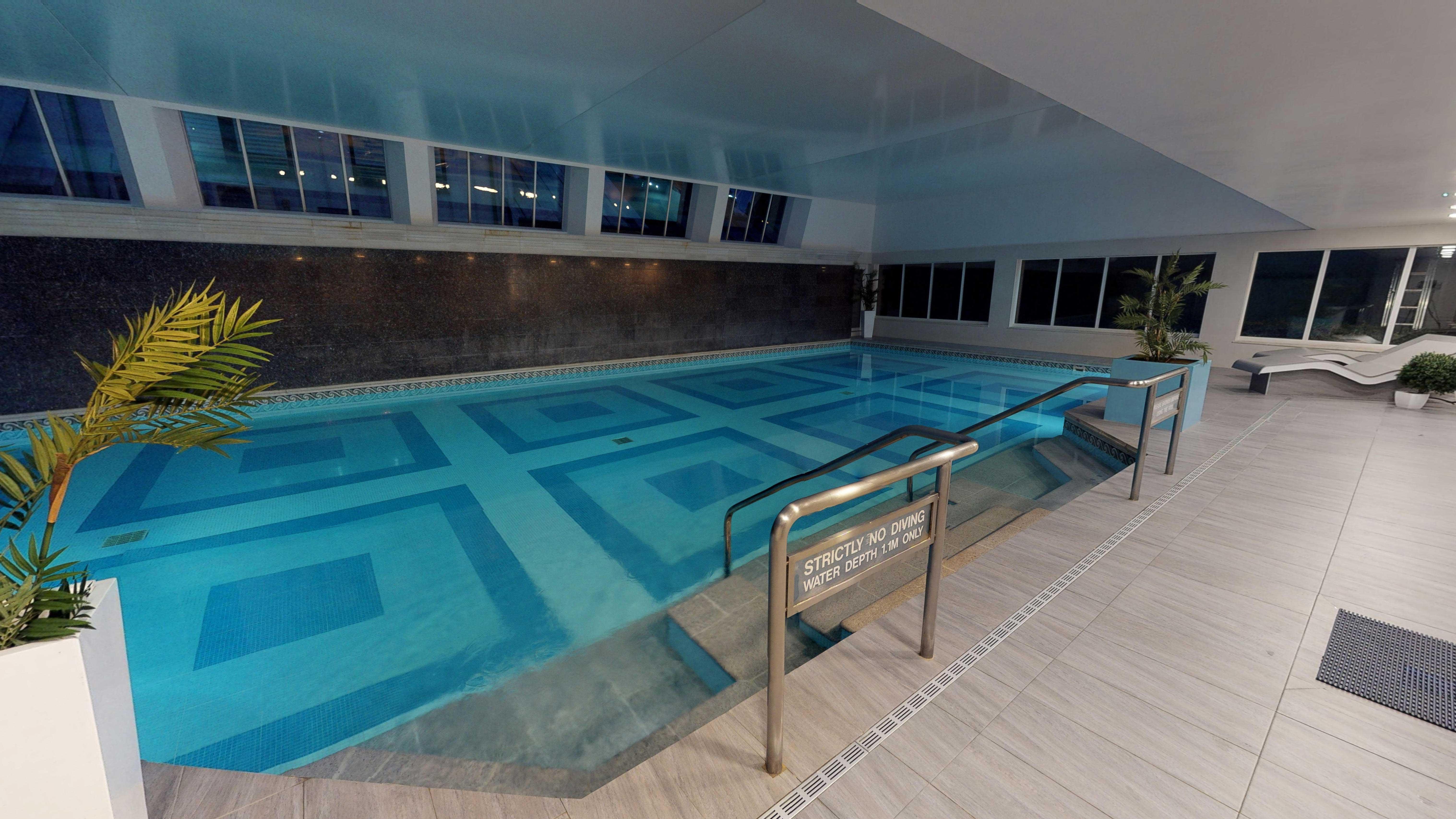 swimming pool london